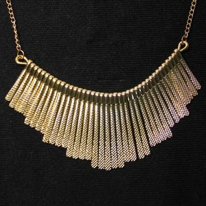 Jewelry - Golden Pins Necklace